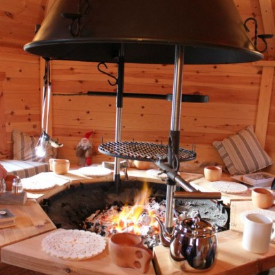 10m BBQ Cabin Grill Lit
