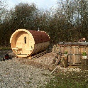 Hawes Villa Campervan Site Barrel Sauna & Hot Tub