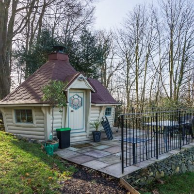 10m Sloping Wall Cabin with 2m extension